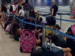 Una avería deja en tierra a un centenar de pasajeros del vuelo Malta-Barcelona de Vueling