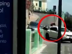 Aída Nízar se empotra con una moto