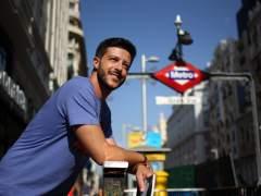 El Poeta del Metro publica 'Niño Mudo', los poemas que dejó en cada estación