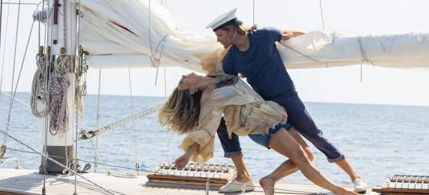 Crítica de 'Mamma Mía! Una y otra vez': una secuela precuela no tan loca como el musical al que homenajea