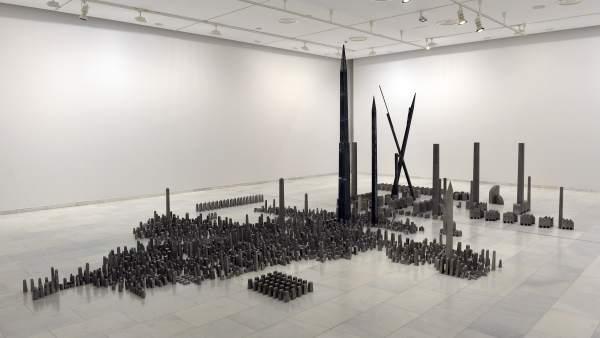 La obra 'Espacio de Batalla' de Miquel Navarro