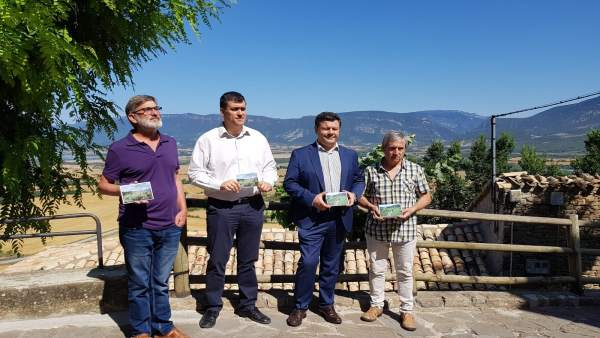 Presentación de las postales promocionales del Camino de Santiago en Aragón