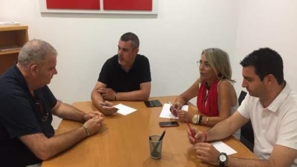 Encuentro entre el PSOE y UPA.