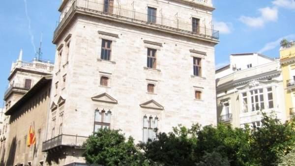 """Consell estudia """"a fons"""" l'anul·lació del decret que prioritza el valencià i la seua relació amb la realitat lingüística"""