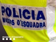 Encierran a una familia en su masía barcelonesa para robarles