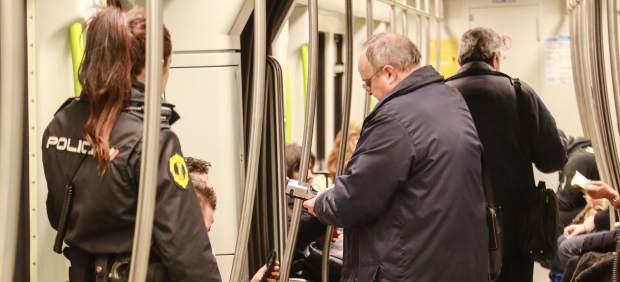 Metrovalencia ha multado con 100 euros desde abril a 2.267 viajeros sin billete