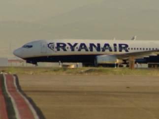 Fomento establece los servicios mínimos de Ryanair