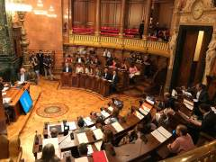 """La oposición reprueba al Gobierno de Colau por su """"mala gestión"""" y falta de transparencia"""