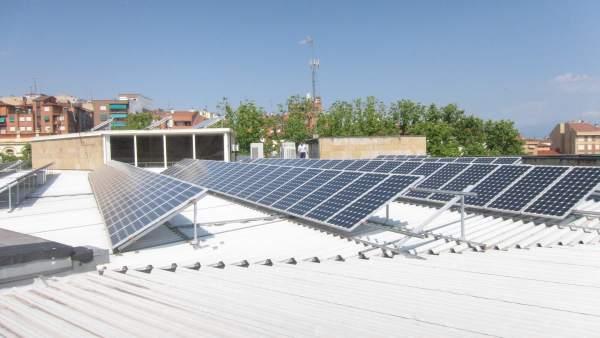 Placas solares en el tejado del Ayuntamiento