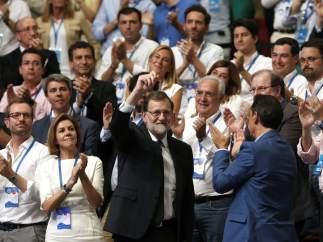 Ovación a Rajoy