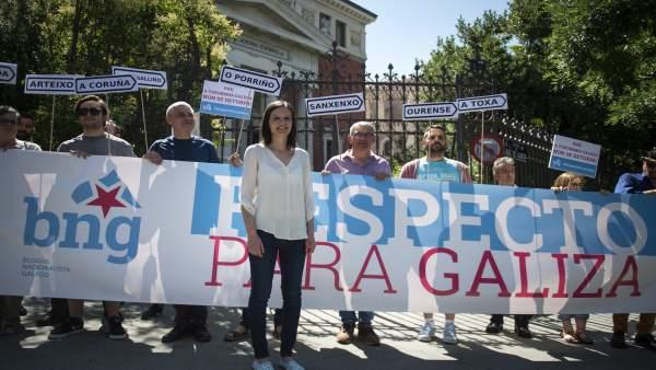 Protesta del BNG ante la sede de la Real Academia Española