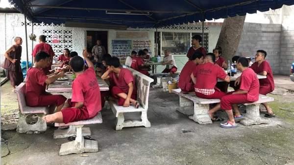 Templo de rehabilitación en Tailandia