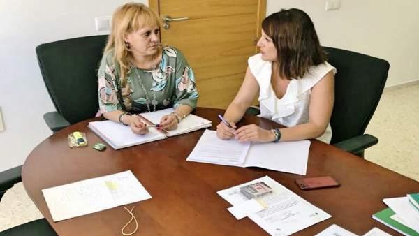 La alcaldesa de Santiponce se reúne con la viceconsejera de Cultura