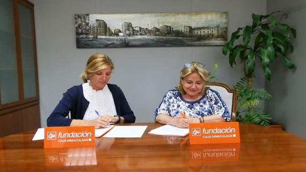 Firma del nuevo acuerdo entre Fundación CAI y CAI Deporte Adaptado.