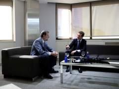 """Casado recibe el relevo de Rajoy: se reúnen durante hora y media en tono """"cordial"""""""