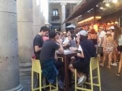 Barcelona y los comerciantes sellan un acuerdo para instalar terrazas en la Boqueria