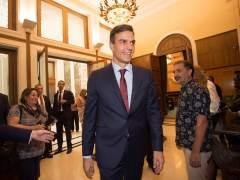 """Sánchez dice que le """"gustaría"""" establecer un protocolo laico para los funerales de Estado"""