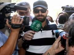 El guardia civil de La Manada niega haber utilizado un teléfono móvil en prisión