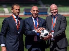 Aleksander Ceferin, Luis Rubiales y Gianni Infantino