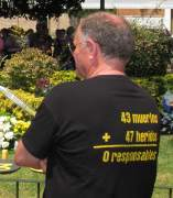 Ofrenda floral en recuerdo a las víctimas del accidente de metro de Valencia.