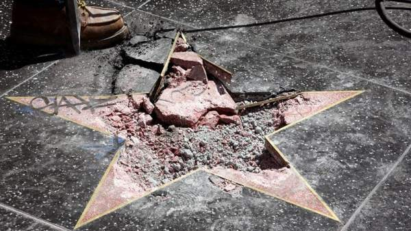 Destrozan la estrella de Trump en Hollywood