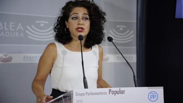 La diputada del PP María de los Ángeles Muñoz