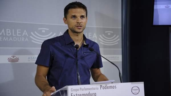 Álvaro Jaén comparece en rueda de prensa