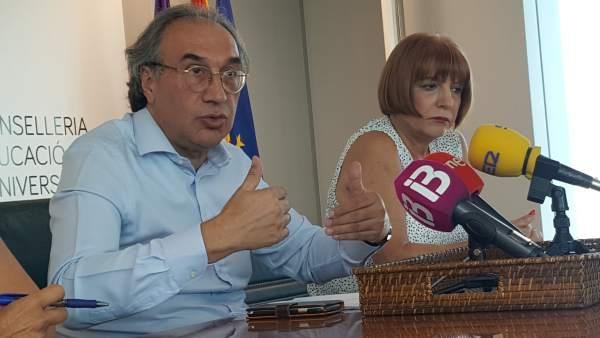 El Conseller de Educación y Universidad, Martí March, y Rafaela Sánchez Benítez