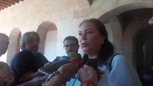 Reunión entre Fernández Vara y la AVT