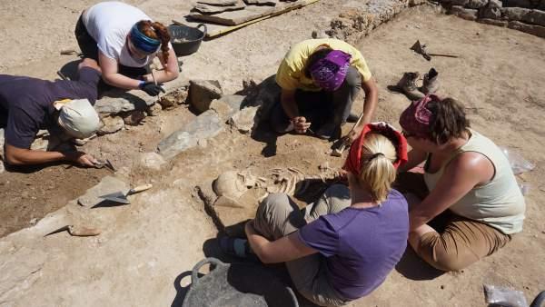 Documentan las primeras construcciones y ocupaciones de Empúries