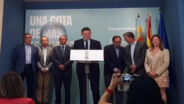 Puig comparece ante los medios junto a los agentes sociales