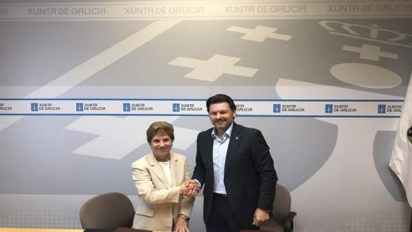 Miranda y Suárez Figueira en la firma del convenio