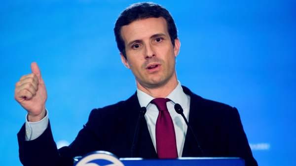Casado comparece ante la prensa tras la Ejecutiva del PP celebrada en Barcelona.