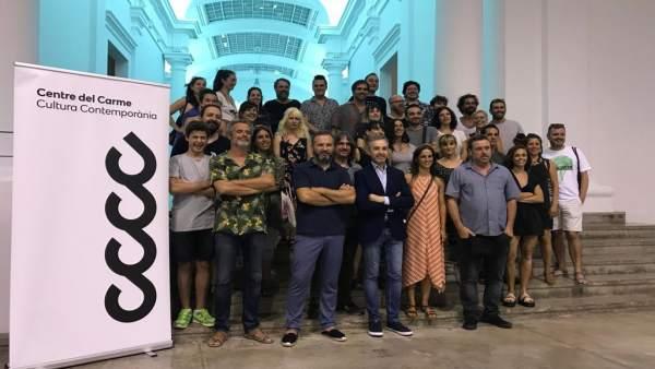 Colaboradores de 'Graners de creació' junto con los creadores seleccionados
