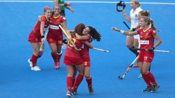 La jugadoras de la selección española de hockey hierba celebran uno de sus goles
