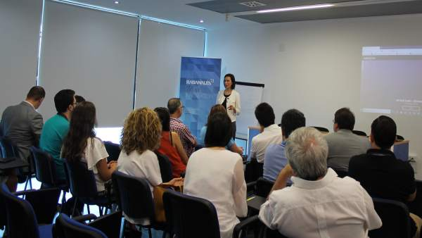 Encuentro entre empresas y la directora general de Rabanales 21