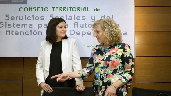 Díaz Tezanos con la ministra Carmen Montón