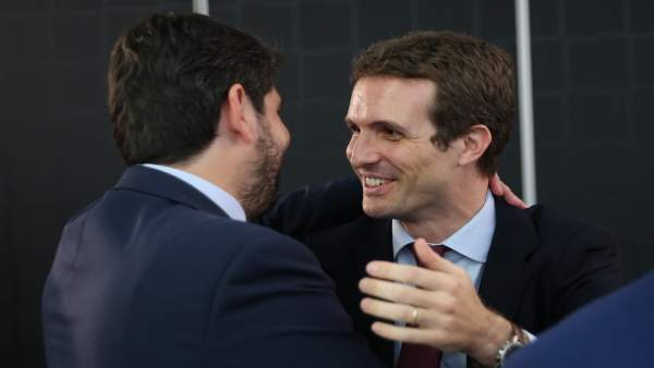 Fernando López Miras y Pablo Casado