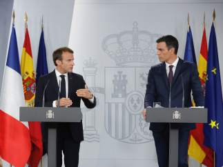 Pedro Sánchez y Emmanuelle Macron ofrecen una rueda de prensa en La Moncloa