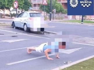 El conductor del vehículo que ha intentado rebajar su tasa de alcoholemia haciendo flexiones