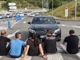 Taxistas en Bilbao durante la huelga contra las licencias VTC.