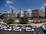 Taxis de Bilbao, que también se han sumado a la huelga convocada por la Asociación Nacional del Taxi.