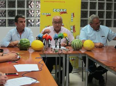 EL presidente de COAG, Miguel Padilla  EN EL CENTRO