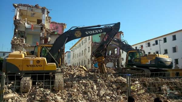 Derribo de viviendas en Los Pajaritos de cara a su reconstrucción