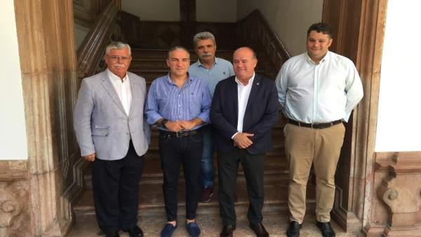 Elías Bendodo y Manuel Barón presentan el Trofeo Ciudad del Torcal