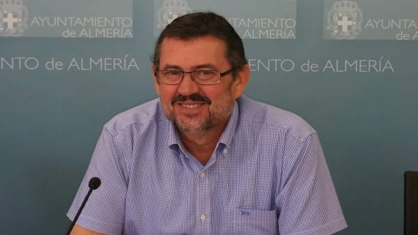 El portavoz de IU, Rafael Esteban