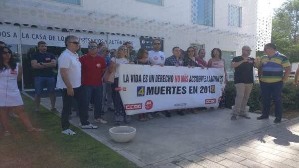 Concentración organizada por UGT y CCOO en Albacete