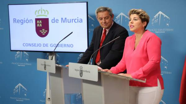 Los consejeros Noelia Arroyo y Fernando de la Cierva