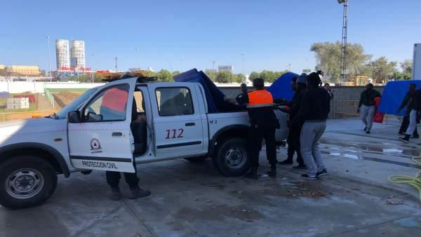 Protección Civil en Los Barrios atiende a migrantes