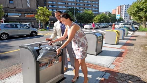 Alcaldesa contenedores soterrados renovados